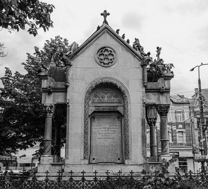Monumentul Sf. Maria din piata Sf. Maria